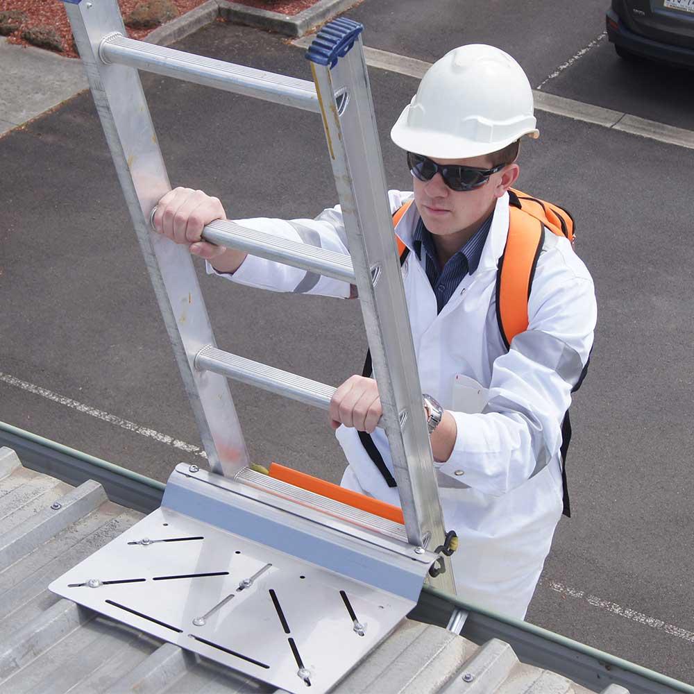 Ladderbracketcardimage1000x1000